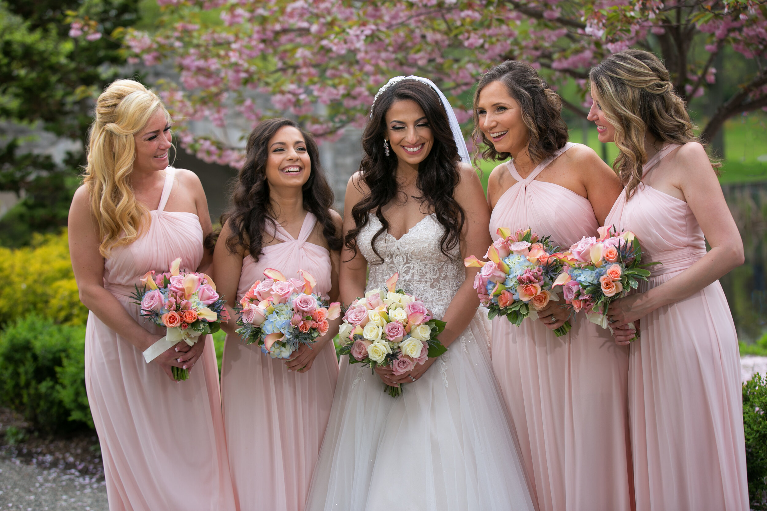wedding photographer bride bridesmaids