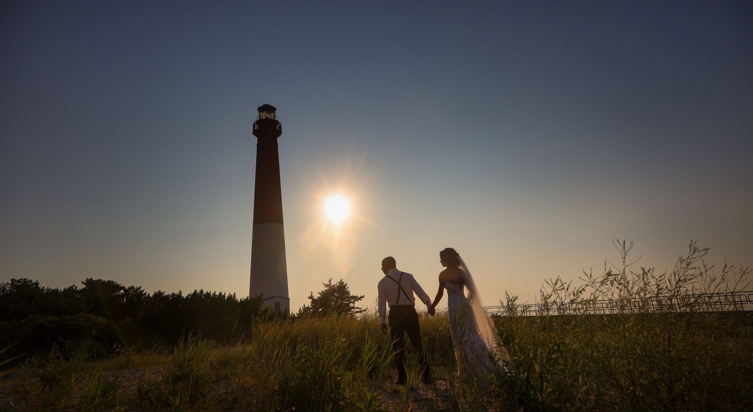 wedding photographer beach lighthouse
