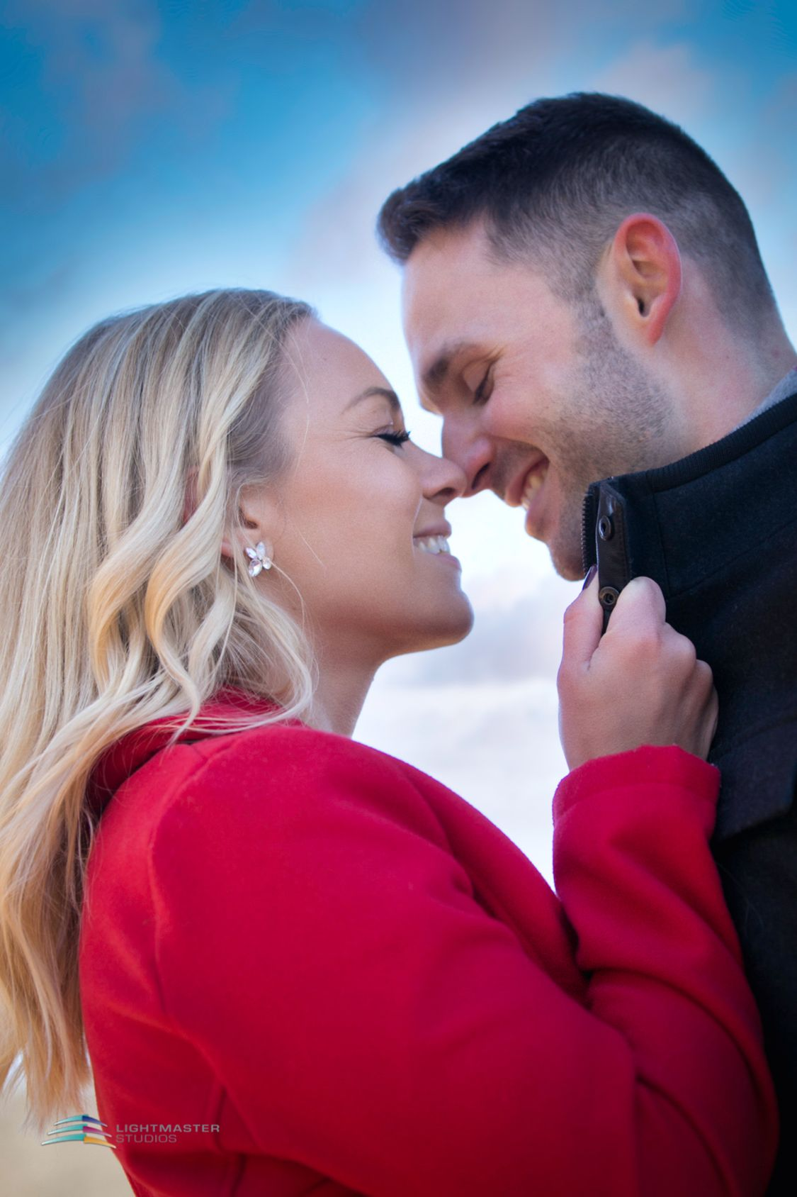 engagement photography couple smiling