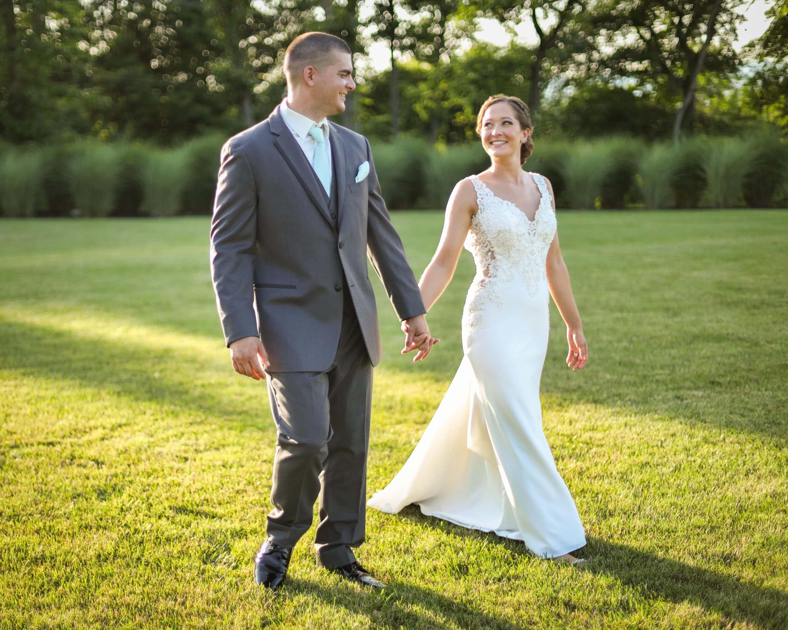 modern-bride-Campaign-Blue-Mountain-Resort-Palmerton, PA 18071-lightmaster-studios-2